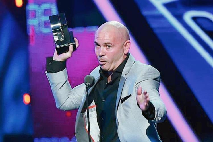 Pitbull ganó en los premios Juventud y al momento de recibir el galarcón arremetió contra Donald Trump. (Foto Prensa Libre: Hemeroteca PL).