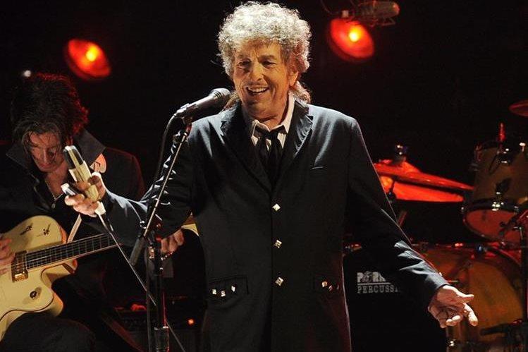 Bob Dylan ha sido la figura entre los seleccionados para recibir este año el Nobel. (Foto Prensa Libre. AFP)