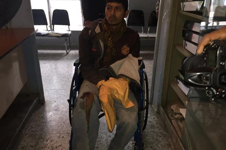 César Augusto Muñoz Nájera, de 25 años, fue capturado como principal sospechoso del crimen del jefe de mantenimiento del Hospital Nacional de Jalapa. (Foto Prensa Libre: Hugo Oliva)