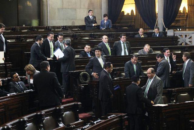 Congreso regula el secreto bancario con fines tributarios. (Foto Prensa Libre: Erick Ávila)