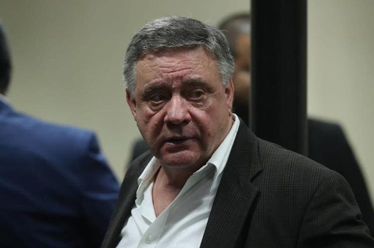 """Después de 40 minutos de lectura de sentencia el juez presidente del Tribunal de Mayor Riesgo C, Pablo Xitumul, explica que """"el principal acusado es Hugo"""