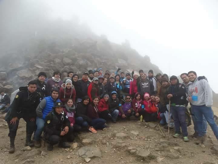 Llegar a la cima es una satisfacción grande para los participantes. (Foto Prensa Libre: Renato Melgar)