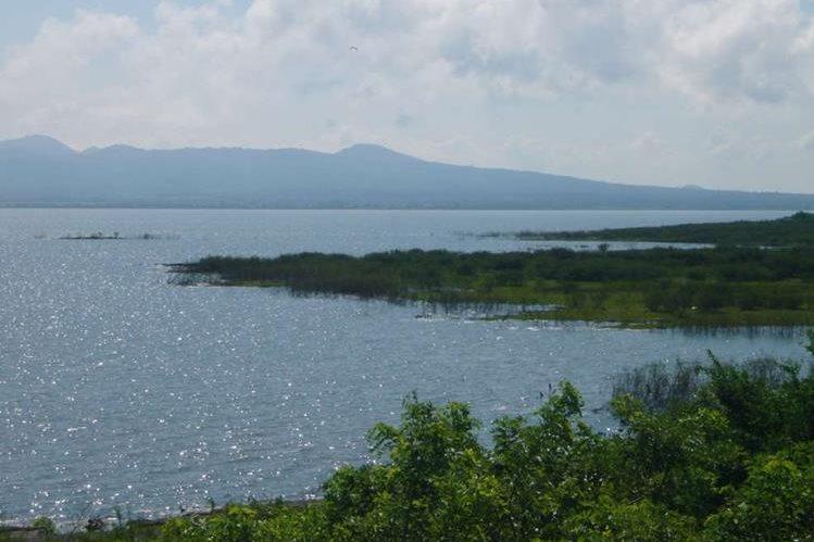<em>Los cuerpos de dos niños que habían sido reportados desaparecidos fueron encontrados este martes a orillas del Lago de Managua. (Foto Prensa Libre: Internet). </em>