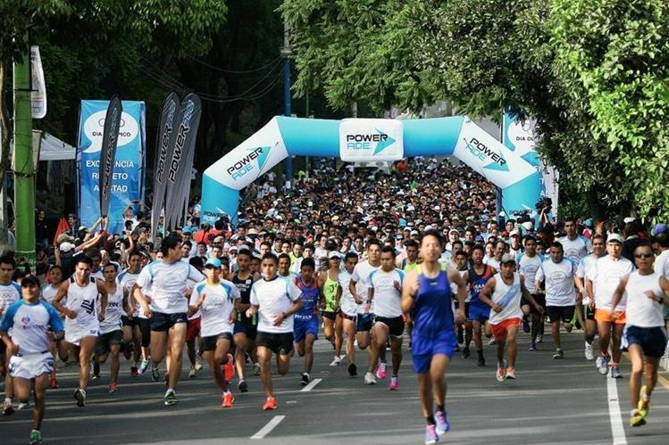 Más de cinco mil deportistas se dieron cita a la Carrera del Día Olímpico. (Foto Carlos Vicente: Jesús Cuque)