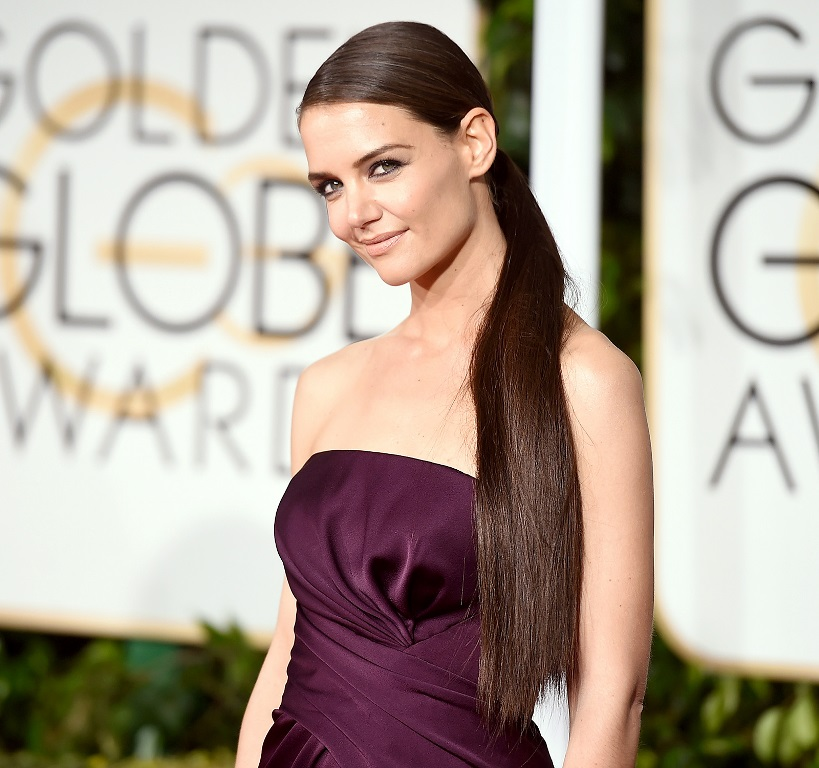 Katie Holmes, la actriz estadounidense, también pone de moda las colas medias. (Foto Prensa Libre: Hemeroteca PL).