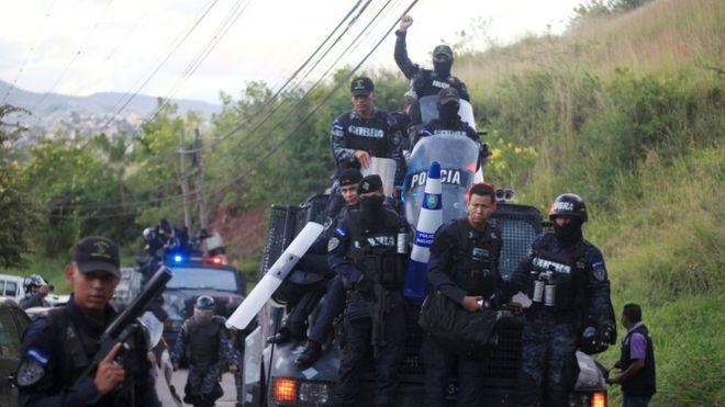 La unidad de policía de élite Cobra aseguró que no acatará órdenes del Gobierno. REUTERS