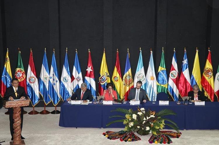 A la primera Conferencia Iberoamericana de Ministros de Economía y Turismo que se efectuó en Guatemala, asistieron representantes de 22 países. (Foto, Prensa Libre: Julio Sicán).