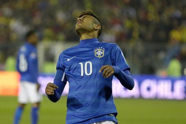 Neymar fue expulsado al terminó del encuentro entre Brasil y Colombia en la Copa América de Chile 2015. (Foto Prensa Libre: Hemeroteca PL)