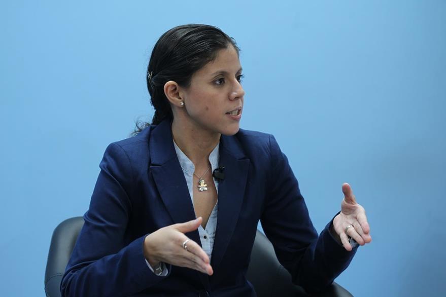 La oncóloga torácica María Alejandra Castillo habla sobre la prevención del cáncer de pulmón. (Foto Prensa Libre, Óscar Rivas)