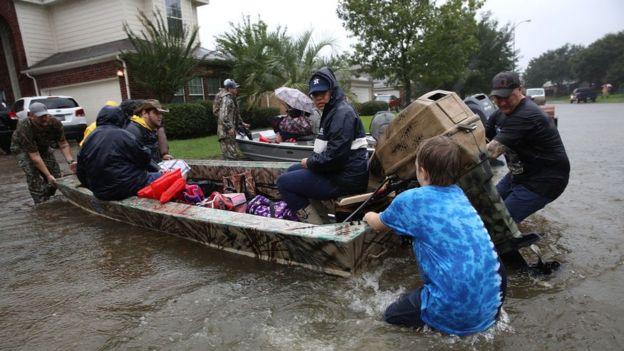 El huracán Harvey ha causado destrozos y más de 20 muertos desde el fin de semana en Houston. WIN MCNAMEE