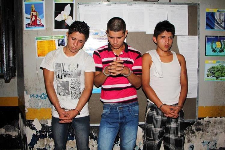 Capturados en la cabecera de Retalhuleu son puestos a disposición de un tribunal. (Foto Prensa Libre: Rolando Miranda)