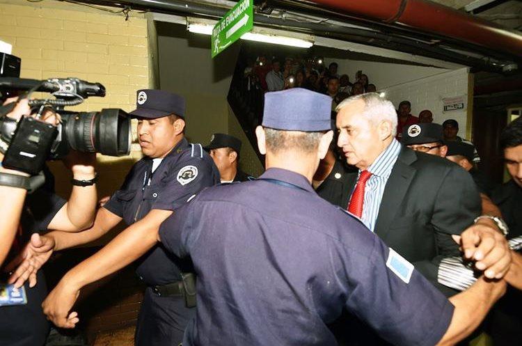 Otto Pérez Molina enfrenta a los tribunales por corrupción.