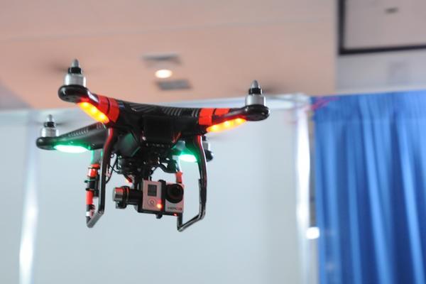 El uso de drones pretende llegar a diferentes campos de trabajo. (Foto Prensa Libre: Axel Vicente)