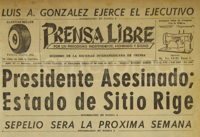 Titular de Prensa Libre del 27 de julio de 1957 informando sobre la muerte de Castillo Armas. (Foto: Hemeroteca PL)