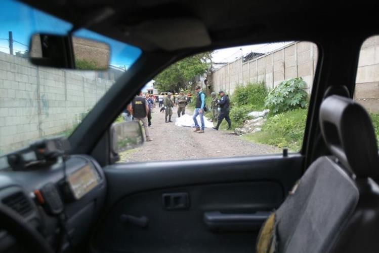 Varios cuerpos han sido localizados en distintas partes del área metropolitana. (Foto Prensa Libre: Érick Ávila)