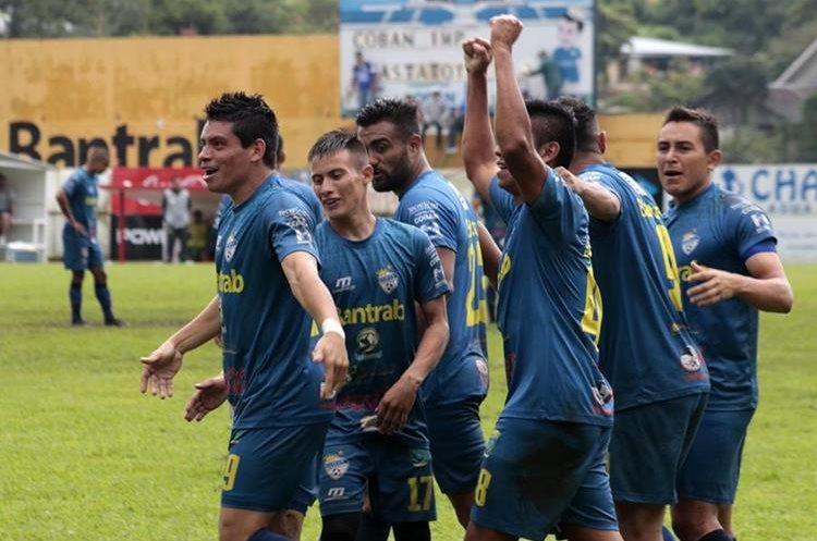 Robín Betancourth lleva cuatro goles en el Torneo Apertura con Cobán Imperial. (Foto Prensa Libre: Eduardo Sam Chun)