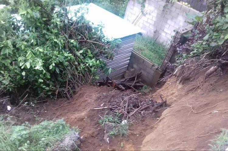 Las lluvias de anoche causaron inundaciones en Sacatepéquez. (Foto Prensa Libre: Cortesía Conred)