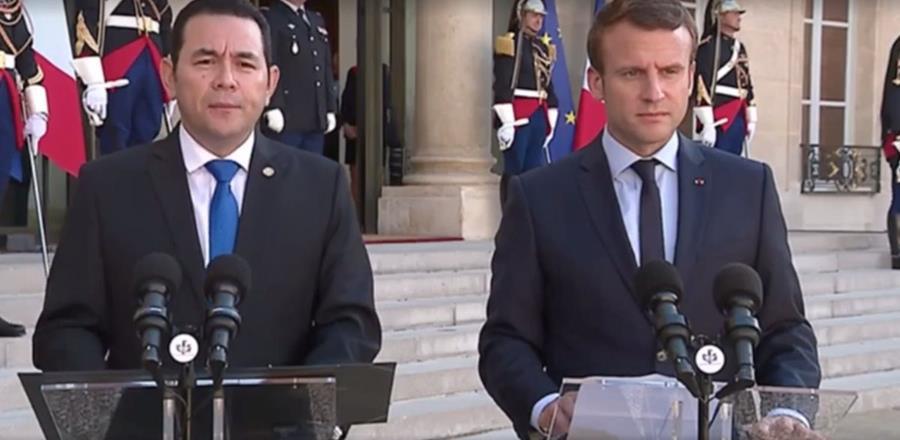 El presidente Jimmy Morales fue recibido por su homólogo francés, Emmanuel Macron. (Foto Prensa Libre: Facebook Gobierno de Guatemala)