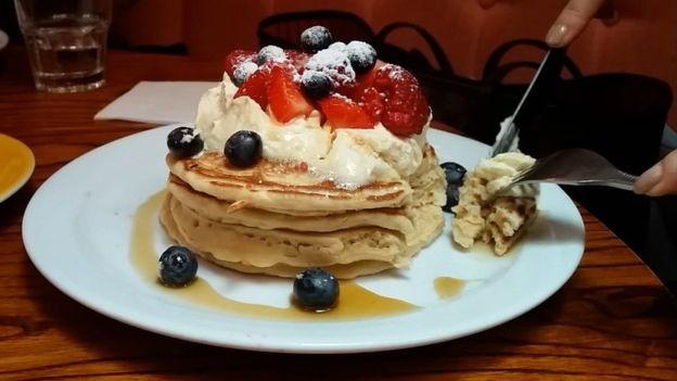 Las crepas son un desayuno apetecible, pero no exento de calorías.
