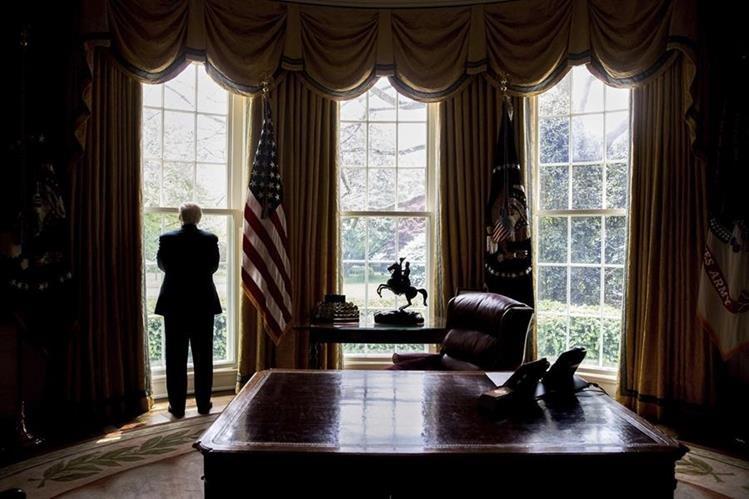 Donald Trump admite que pensó que gobernar iba a ser más fácil. (Foto Prensa Libre: AP)