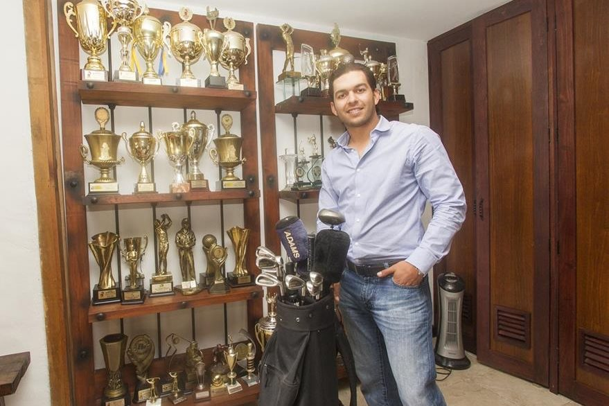 El golfista guatemalteco José Toledo vino al país para pasar las fiestas de fin de año, antes de iniciar su preparación para la temporada 2017 en el PGA Tour Latinoamérica, que arrancará en enero próximo. (Foto Prensa Libre: Norvin Mendoza)