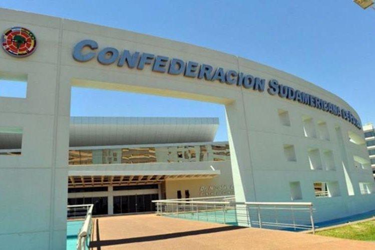 La Conmebol contempla la idea de que las finales de la Copa Libertadores y Sudamericana se realicen en un solo partido. (Foto Prensa Libre: Hemeroteca PL)