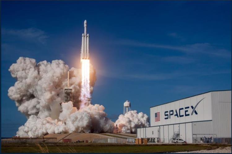 SpaceX ha presentado varias peticiones a la Comisión Federal de Comunicaciones de Estados Unidos para poder poder comenzar con el plan. (Foto Prensa Libre: SpaceX)