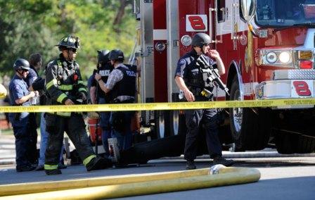 La Policía resguarda el lugar de la matanza. (Foto Prensa Libre: del sitio noticias.starmedia.com)