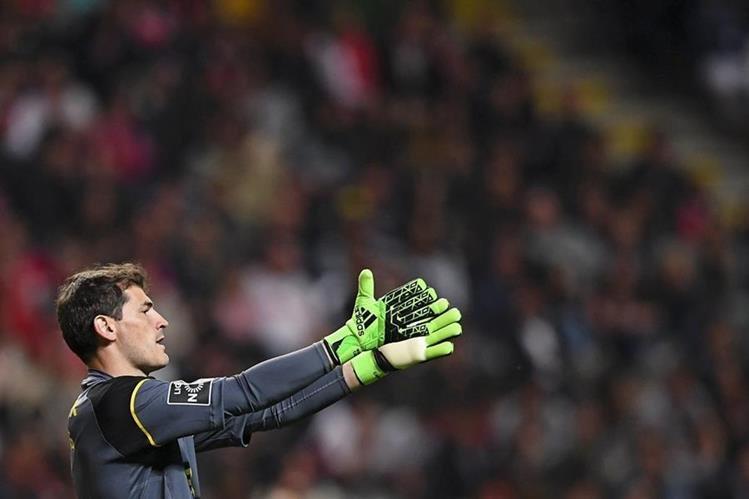El portero español Iker Casillas habló del clásico español entre su exequipo Real Madrid y el FC Barcelona. (Foto Prensa Libre:EFE)