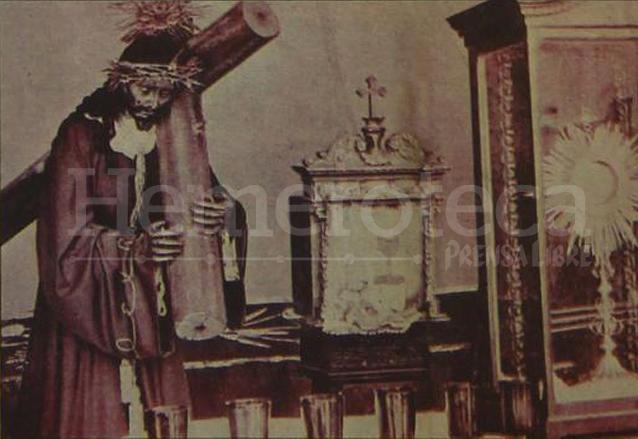 Jesús de Candelaria en la capilla provisional después del Terremoto de 1976. (Foto: Hemeroteca PL)