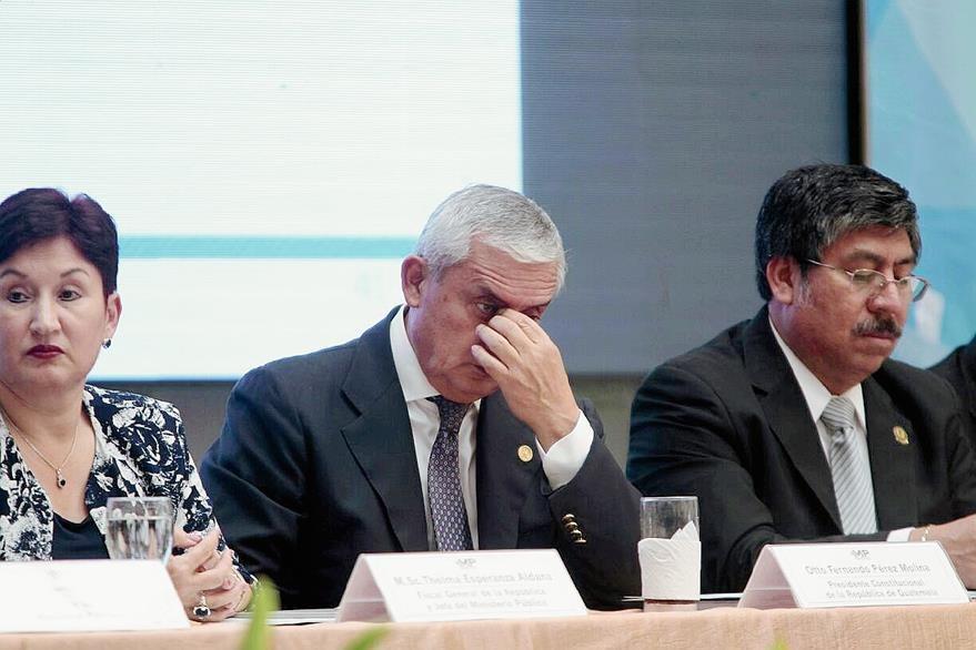 El presidente Otto Pérez Molina asiste al informe de gestión de la Fiscal General Thelma Aldana. (Foto Prensa Libre: Erick Ávila)