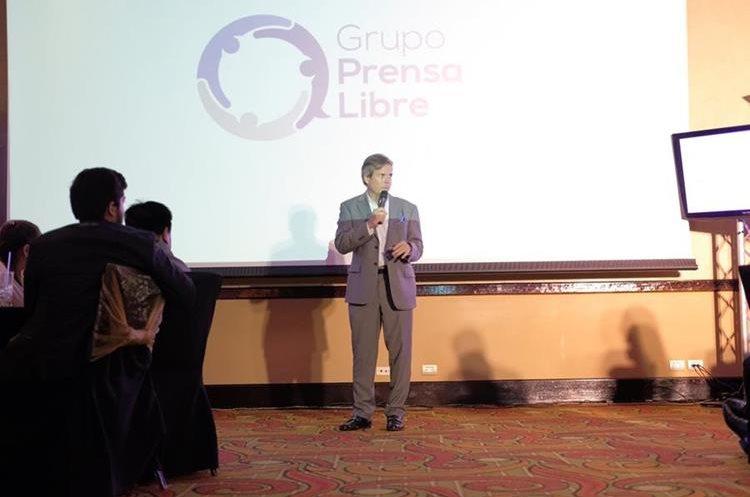 Felipe Izquierdo, director ejecutivo de Grupo Prensa Libre, presenta las novedades del concepto (Foto Prensa Libre: J. Ochoa).
