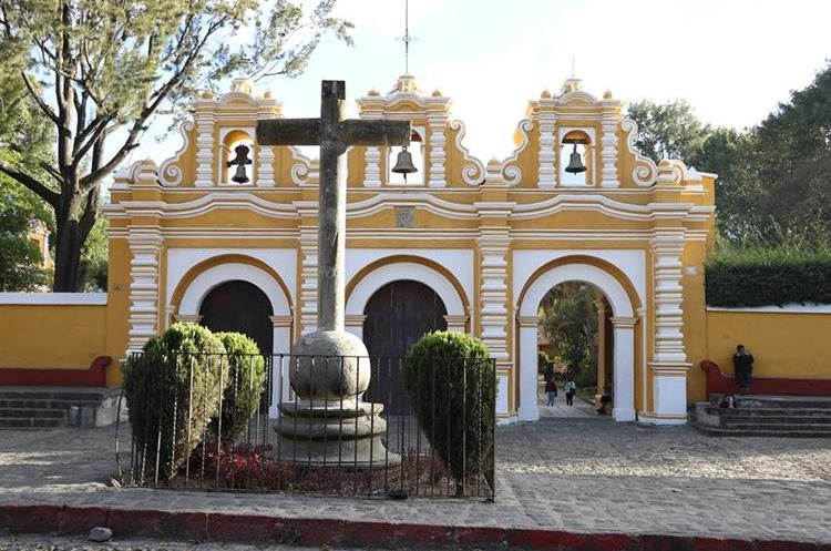 En El Calvario se venera la imagen de Jesús Nazareno del Silencio. (Foto Prensa Libre: Julio Sicán)
