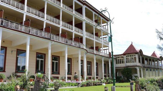 En el hotel Schatzalp los pacientes solían someterse a rutinas monásticas que incluían pasar largas horas bajo el sol y comer grandes cantidades de muesli. MIKE MACEACHERAN