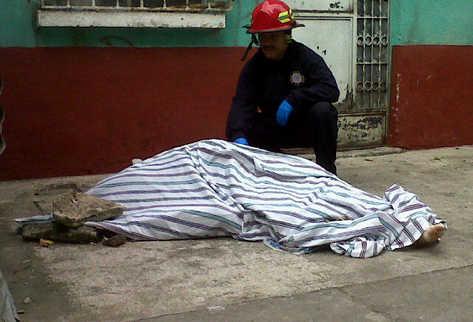 Informe de la Cartera del Interior destaca que los homicidis en el país han disminuido. (Foto Prensa Libre: Archivo)