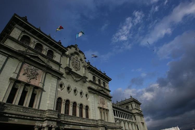 Mañana despues del cambio de mando, Jimmy Morales juramentará a los 14 ministros de su Gabinete. (Foto Prensa Libre: Hemeroteca PL)