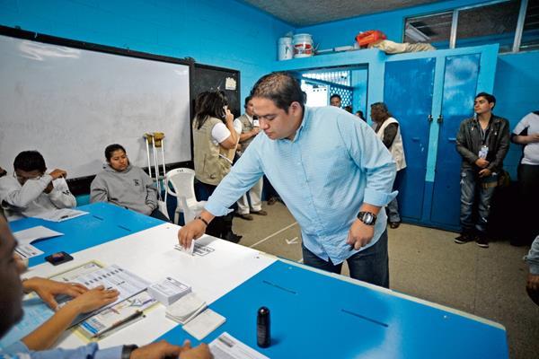 El Tribunal Supremo Electoral aun no ha definido de qué manero votaran los electores en el exterior. (Foto Prensa Libre: Hemeroteca PL)