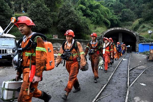 Los rescates de trabajadores de minas o excursionistas en cuevas han generado la producción de películas para recrear los hechos que vivieron. (Foto HemerotecaPL)