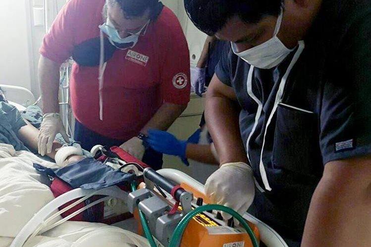 Suman seis adolescentes trasladadas a hospitales en Estados Unidos. (Foto Prensa Libre: Ministerio de Salud)