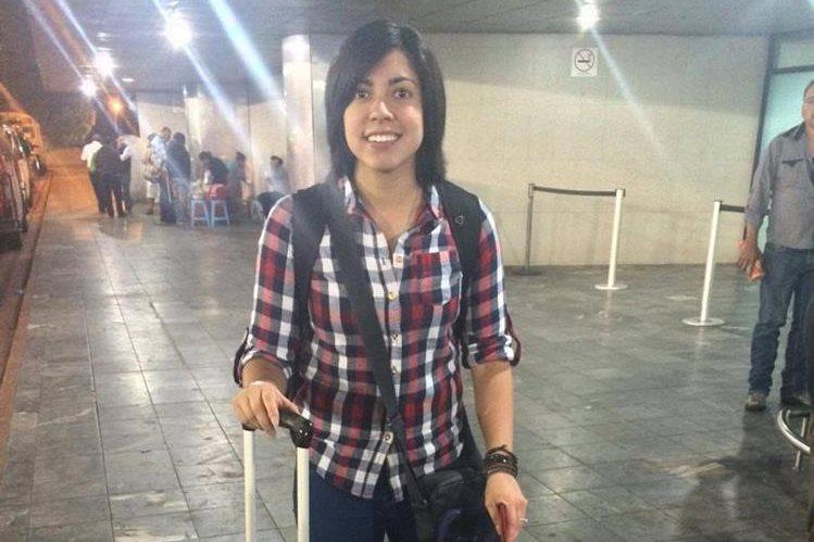 Ana Lucía Martínez viajó este martes a España para vincularse al Sporting Club de Huelva. (Foto Prensa Libre: Cortesía Camilo Martínez)