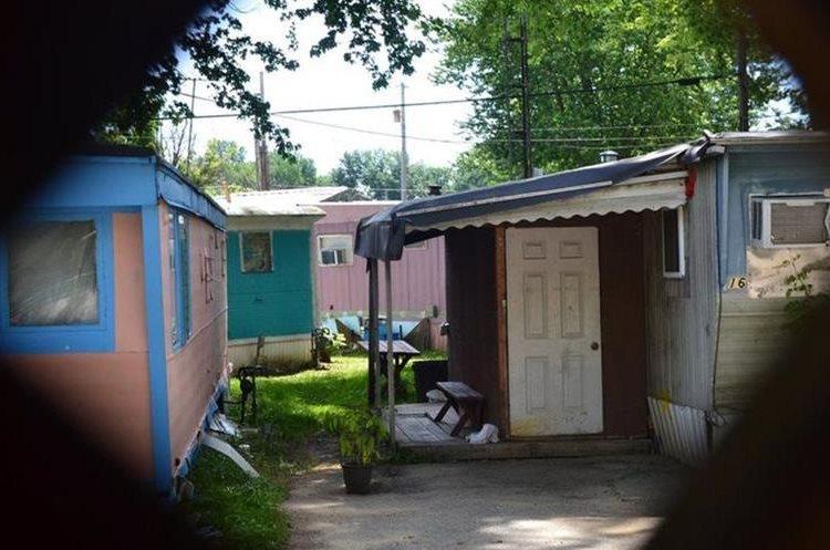 Decenas de personas que fueron arrestadas vivían en Jefferson Trailer Park, un suburbio de casas rodantes en la pequeña ciudad de Norwalk.