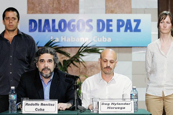 Las Farc y el gobierno de Colombia aún no logran un acuerdo para firmar la paz en ese país. (Foto Prensa Libre: EFE).