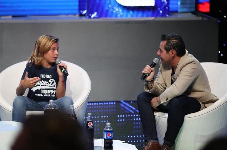 Izan Llunas junto a Yordi Rosado (Foto Prensa Libre: José A. Ochoa).