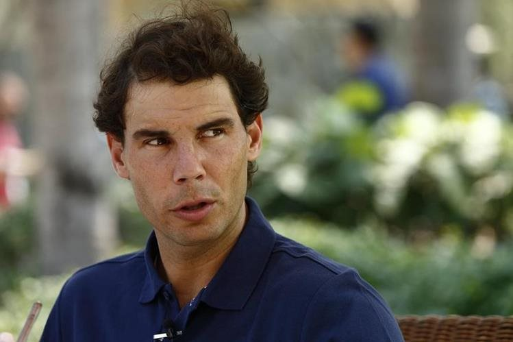 Aunque Rafael Nadal, no competirá en el abierto Mexicano, seguirá en Acapulco hasta conocer el alcance de su lesión. (Foto Prensa Libre: EFE)