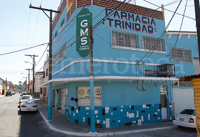 Edificio donde funciona la Farmacia Trinidad en el Barrio el Gallito, zona 3. (Foto: Hemeroteca PL)