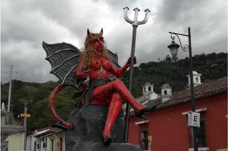 La imagen de la diabla que fue decomisada por la PNC en el 2016. (Foto Prensa Libre: Renato Melgar)