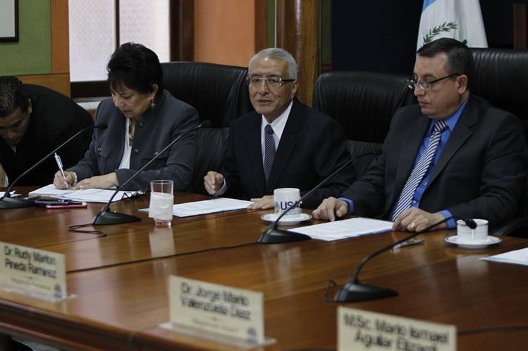 Magistrados del TSE aseguran que no son intimidados por acciones legales del partido Líder. (foto Prensa Libre: Paulo Raquec)