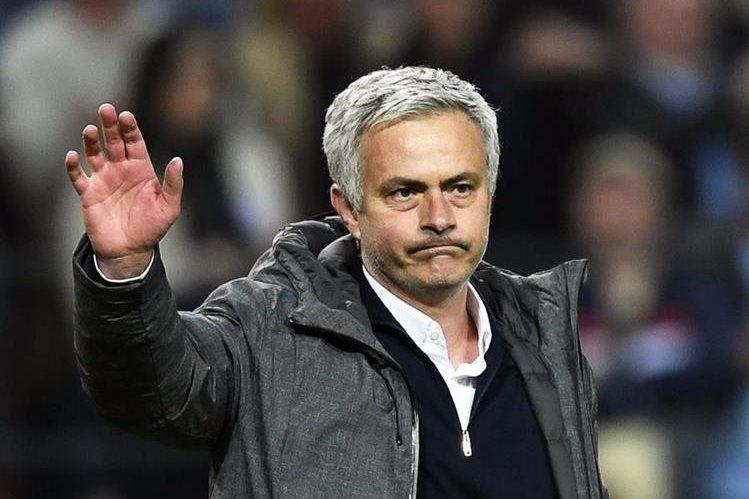 La denuncia contra Mourinho coincide con la tormenta desatada en torno a su compatriota Cristiano Ronaldo. (Foto Prensa Libre: EFE)