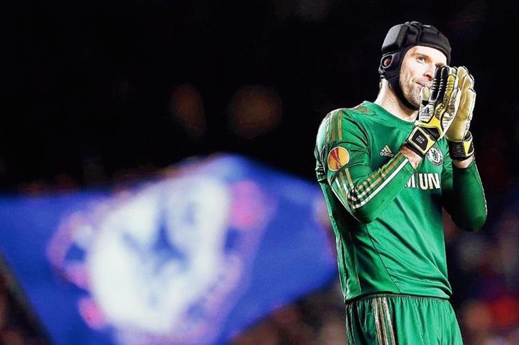 Tras su paso en el Chelsea, Petr Cech se une al Arsenal. (Foto Prensa Libre: EFE)