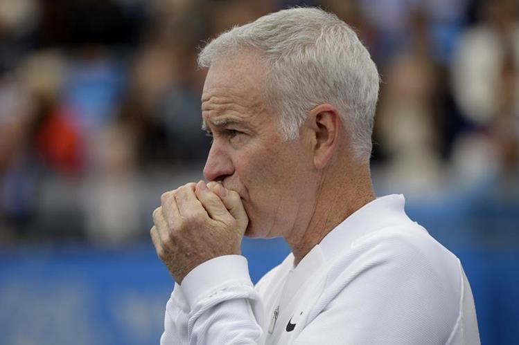 El extenista John McEnroe, además de su carrera como entrenador también incursiona en el mundo de los libros. (Foto Prensa Libre: AP)